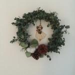 1年中飾れる、ユーカリでつくるグリーンリース完成。