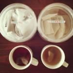 毎日飲むお茶の定番2種。からだをあたためる、ルイボスティーと黒豆茶